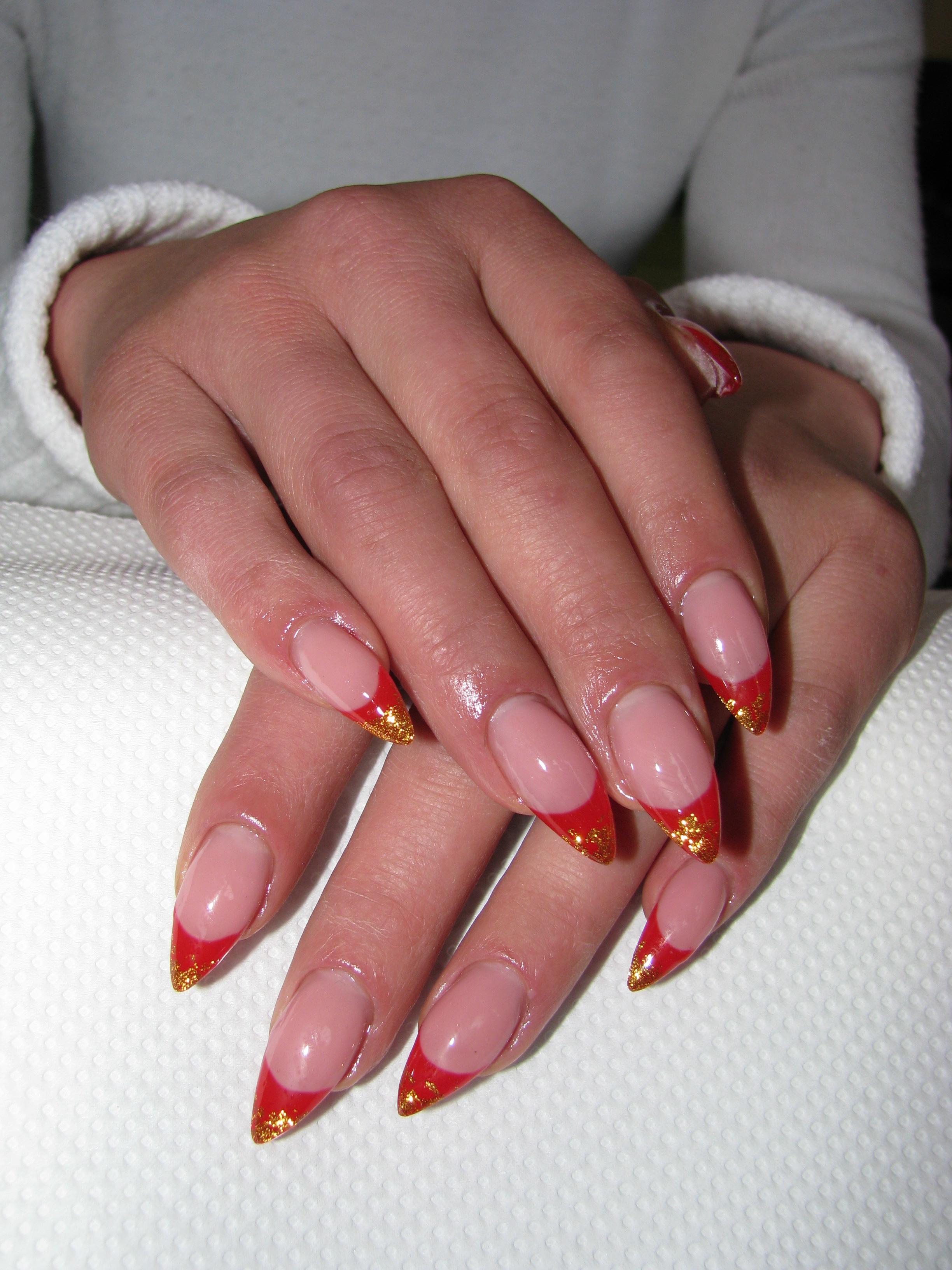 Френч на ногтях с золотом фото