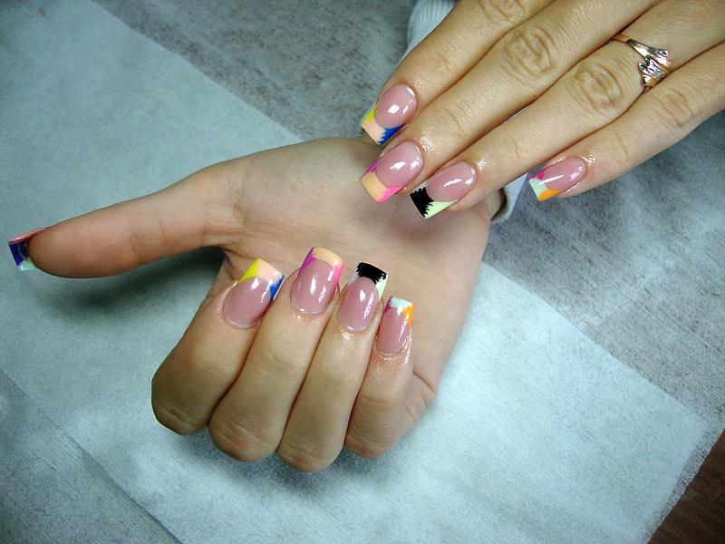 Дизайн гель лаком на гелевых ногтях